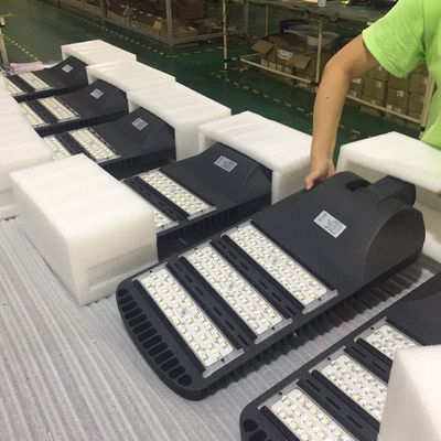 China Black / Grey Case Outdoor Led Street Light , LUXEON 5050 Waterproof Led Street Lamp factory