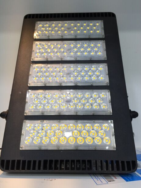 240W Factory Direct Sale Stadium LED Flood Light Lumileds 5050 Chip MW Driver IP66