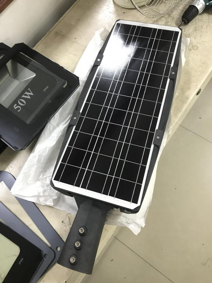 Smart Control Solar LED Street Light All In One Wireless Installation 6000K CCT