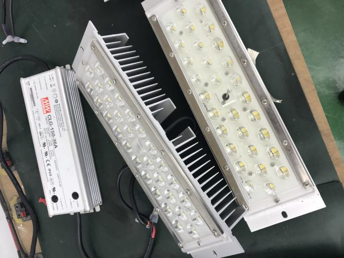 IP66 IK10 Led Gas Station Canopy Lights 160lm/w Recessed Installation High Luminous